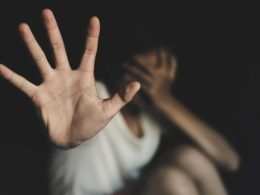 Wie hilft man Frauen, die Gewalt erleben?